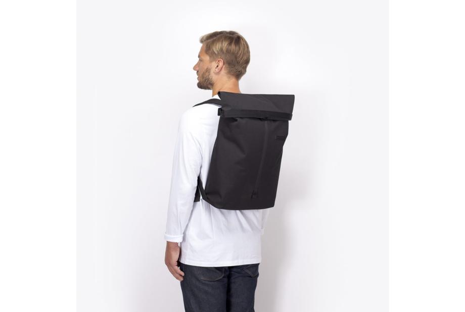 Frederik-Backpack_Stealth-Series_Black_15_a8189d0b-e3b4-4684-903d-9d3e1f993a12_2000x