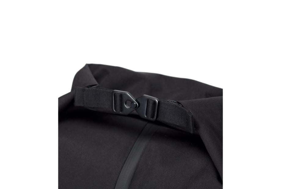 Frederik-Backpack_Stealth-Series_Black_5_252ec7a9-cb12-48a4-9e10-30f970d3d4e6_2000x
